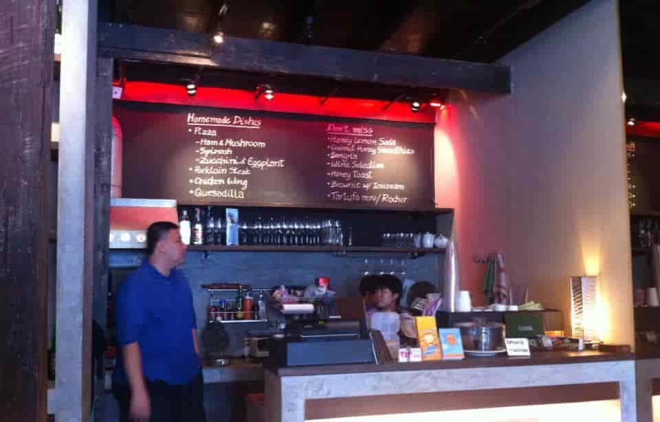 Dialogue Coffee center bar